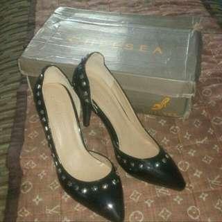 Selling Chelsea Black High Heels