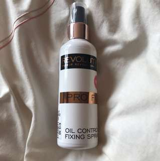 Evolution Oil Control Spray