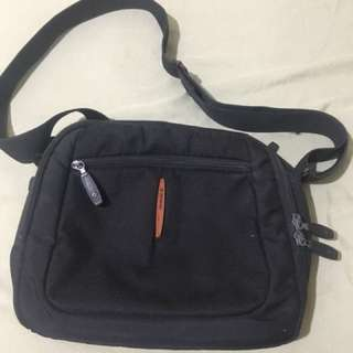 Original Samsonite sling bag
