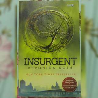 Novel 2 Divergent : Insurgent