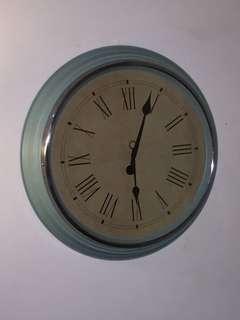 Large wall clock  59cm diameter