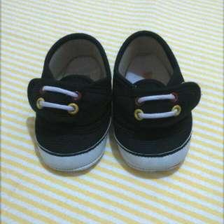 Sepatu Bayi Happybaby