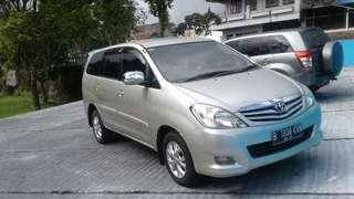 Toyota Kijang Innova 2011 G A/T Bensin