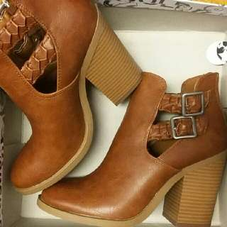Skylar Boots
