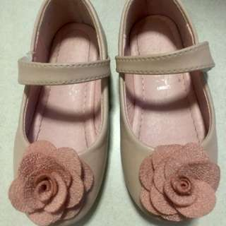Pre-loved Girl's shoes size 24