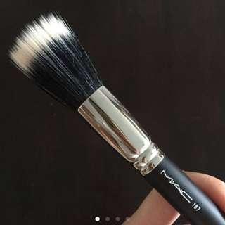 MAC 187 Stippling brush