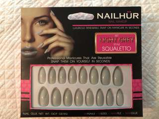 Nail Hur 'squaletto in light grey'