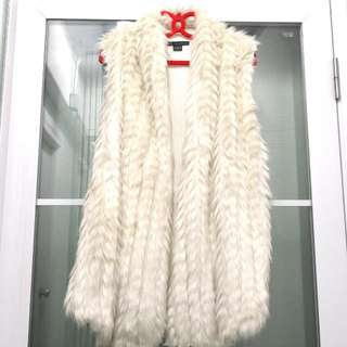 全新Armani Exchange女裝時尚高貴白色毛毛保暖針織背心 Brand New Armani Exchange Ladies Fashion Elegant White Plush Warm Knit Vest