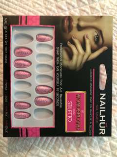 Nail Hur Discontinued nails in stiletto style 'wonderland'