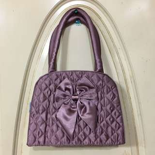 💎精選款💎 香檳紫粉✨緞面✨菱格紋公主曼谷小包包(內防水材質) 蝴蝶結日式肩背包 小提袋小包包 側背包側背袋