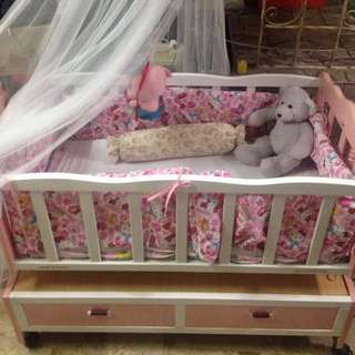 Newborn Infant Wooden Crib/Cradle