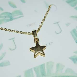 STAINLESS STAR NECKLACE