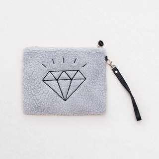 🚚 《全新現貨》Anden Hud✖️ Monday Diamonds毛絨手拿包-灰色