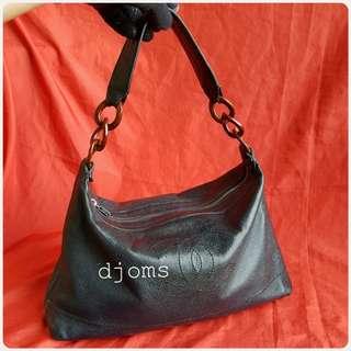 CLASSIC CHANEL RESIN CHAIN CAVIAR BLACK HOBO BAG