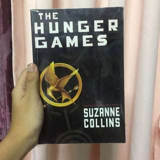 [ BOOK SALE ! ] The Hunger Games by Suzanne Collins