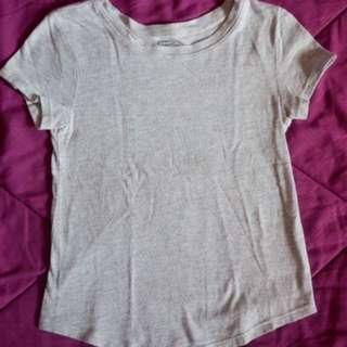 Old navy plain T shirt (gray)