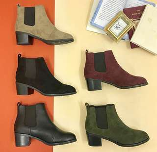 (只著過一次) Oriental Traffic Brown Boots