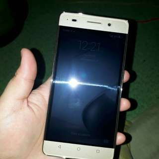 Huawei honor 4c 2gb ram 8gb internal 5.0 inches