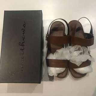 Matthews - brown sandals