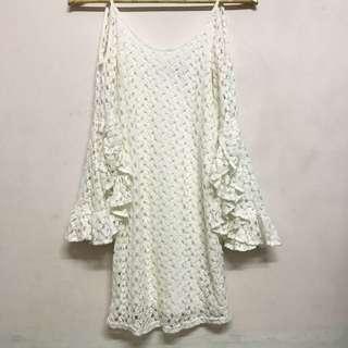 🚚 超美雕花飄飄袖白洋裝