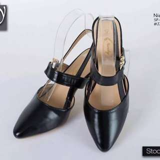 Nicely heels shoes size : 35-39