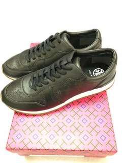 Tory Burch 黑色波鞋