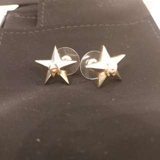 Chanel 金色星星耳環