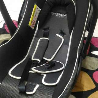Sweetheart Paris Baby Carseat