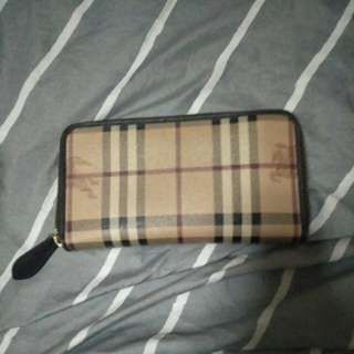 Selling burberry wallet