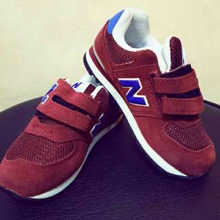 New balance shoes (unisex) for kids/teens