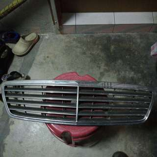 Mercedes C Class W203 Front Grill