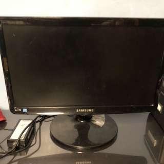 "Samsung Monitor 18"""