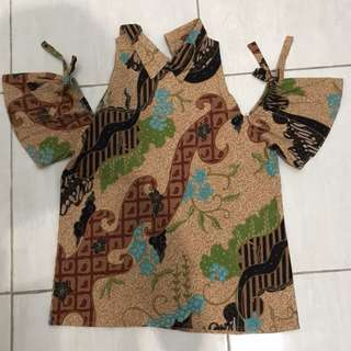 Batik off shoulder top