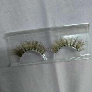 Gold color false eyelashes