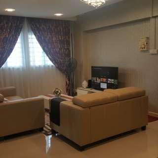 Rent a beatiful home @ Tampines ave 8