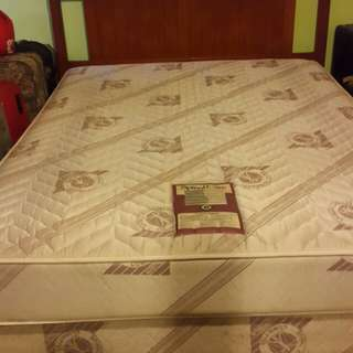 Queen size bed + 2 pillows (item 1)