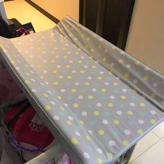 Baby cot changing top