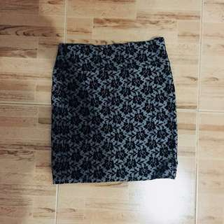 REPRICED ⚡️ Cotton On Black Floral Pencil Skirt