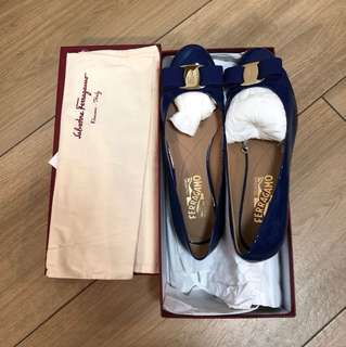 Salvatore Ferragamo patent leather blue flats size 7C