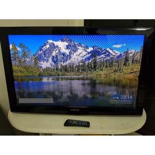 "Samsung 42"" Plasma TV with Remote"
