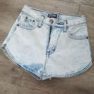 Light washee denim shorts