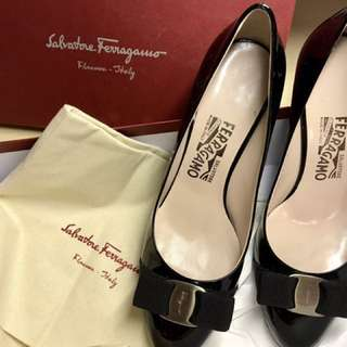 BNIB Authentic Ferragamo Kitten Heels