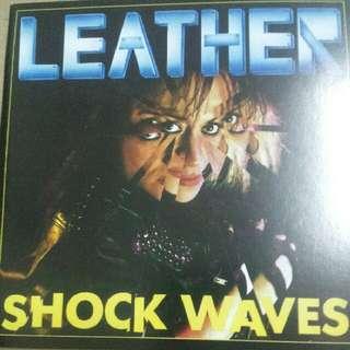 Music CD (Metal): Leather–Shock Waves - Heavy Metal