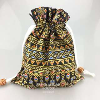 Traditional Pouch For Phone Accesories Vivid Batik Floral Textile Traditional Pattern Fabric Lunch Bag Make Up