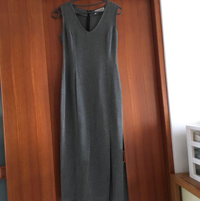 灰色輕材質洋裝