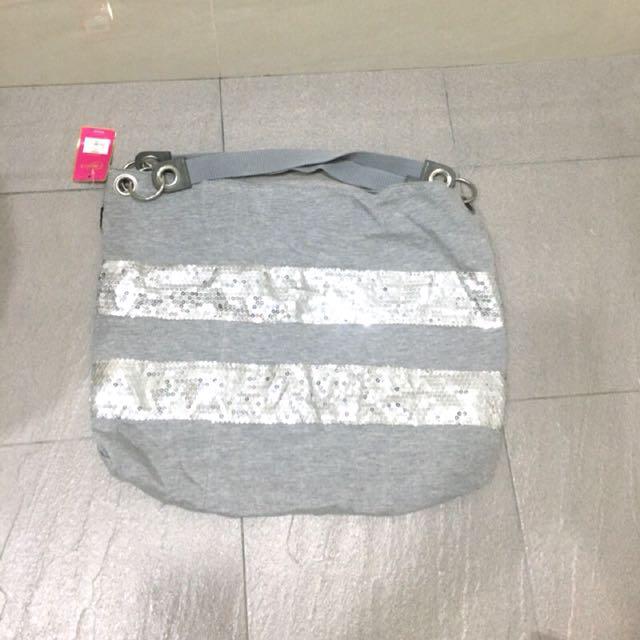 艾薇兒設計灰色亮片肩背包