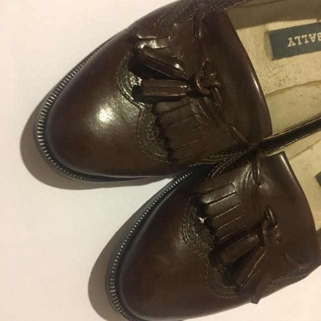 BALLY womens leather loafers