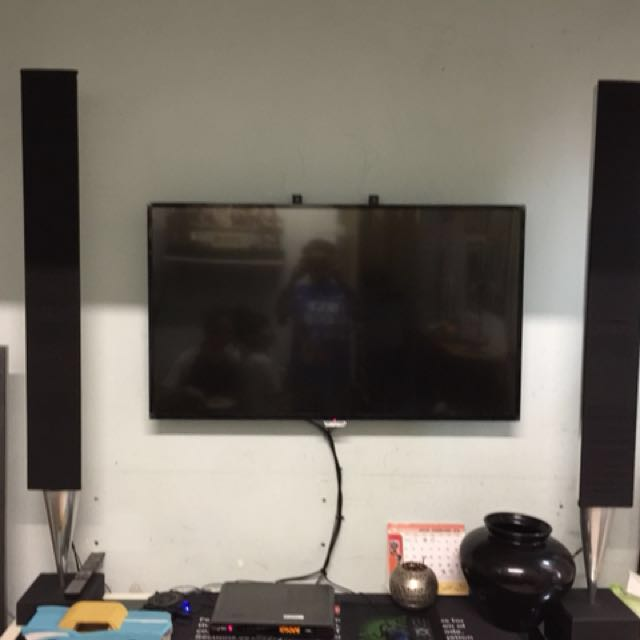 Bang And Olufsen Beolab 8000 speakers