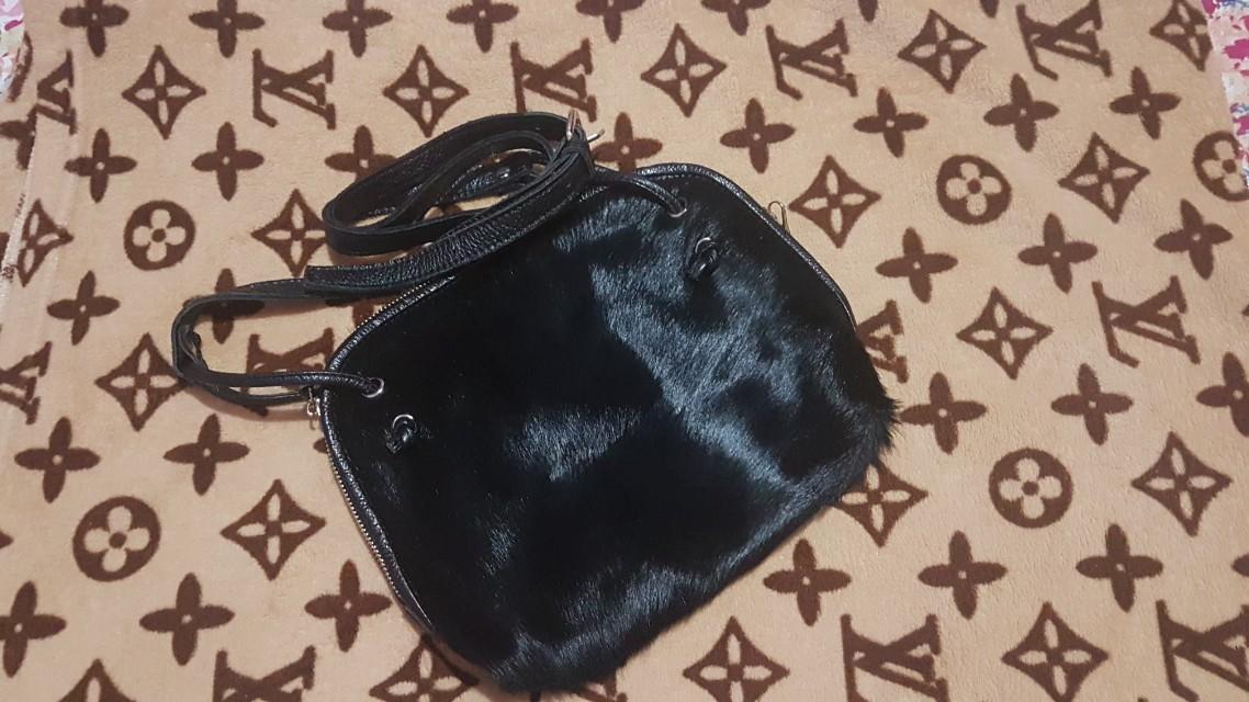 Black Sling Bag/Fur