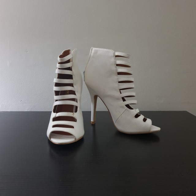 MAKE AN OFFER BNWOT White Strappy Heels